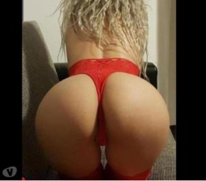 Rebah independent escorts in Lindsay